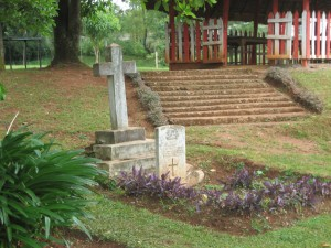 Kisii, Captain Thorneycroft's grave mar07 291
