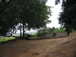 Wavell_s_grave_compound
