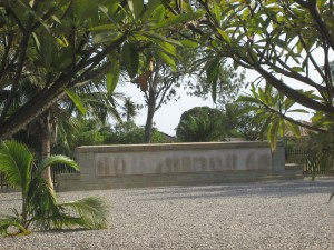 Tanga British Memorial Cemetery1 mar07 081